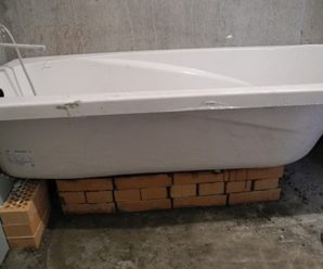 Установка ванны на кирпичи – как сделать