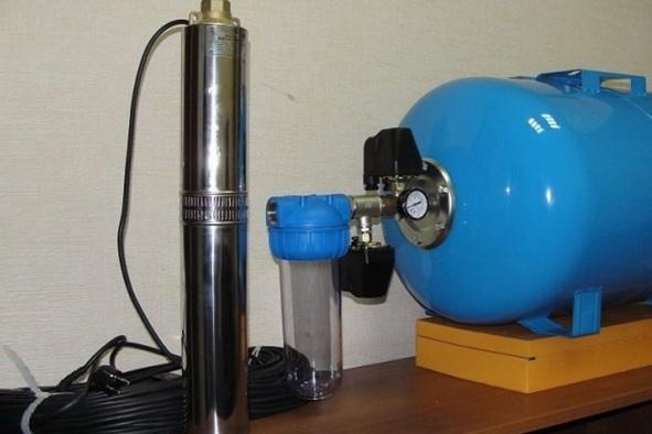 Насос и гидроаккумулятор