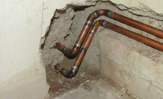 Заделка метдных труб в стену