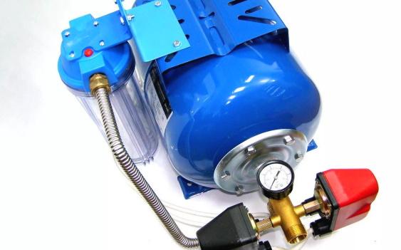 Подключенный гидроаккумулятор
