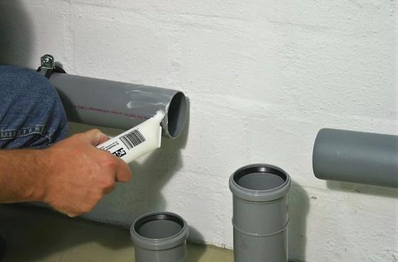 Стыковка труб канализации