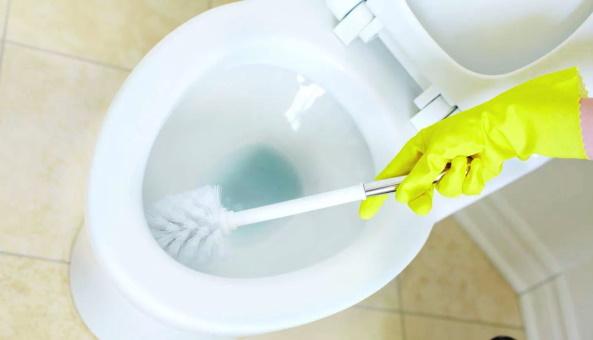 Очистка унитаза химическим способом