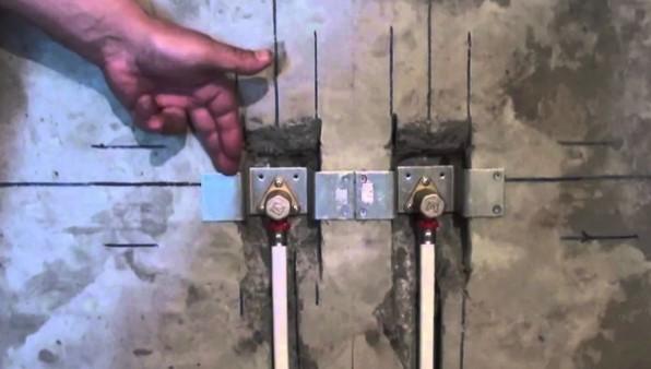 водяная розетка на стене